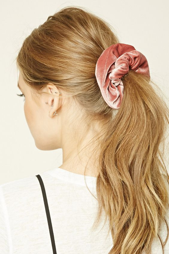 reasons why I think the scrunchie is making a comeback