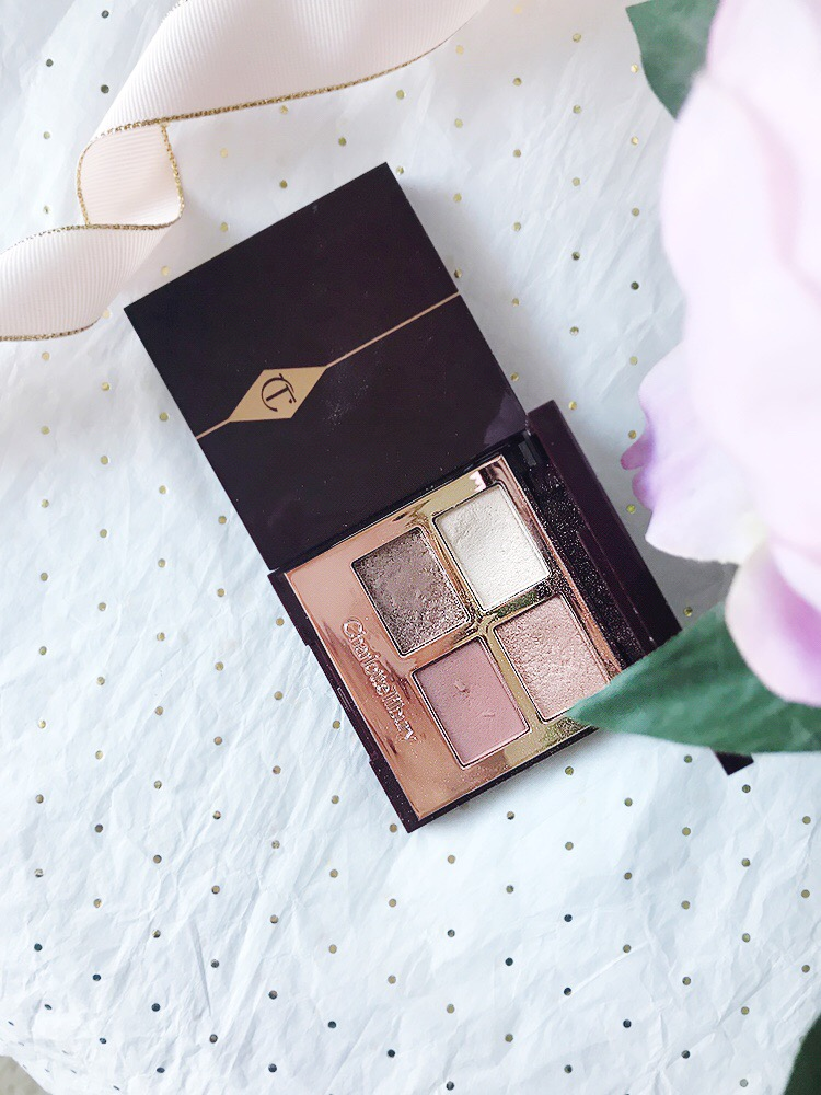 Charlotte Tilbury Exagger-Eyes & Pillow Talk Eyeshadow Palettes Reviewed by top DC beauty blogger, The Beauty Minimalist