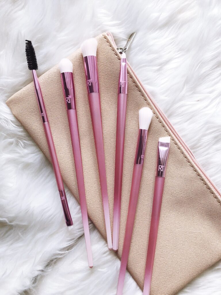 September Beauty Favorites from top beauty blogger The Beauty Minimalist